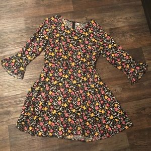 OLD NAVY Floral Bell Sleeve Dress L
